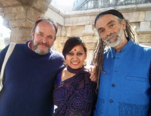 Tritha & martin with writer & historian, William Dalrymple